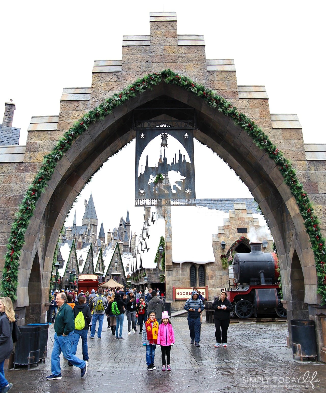 Family Guide To Celebrating the Holidays at Universal Orlando Resort - Hogwarts