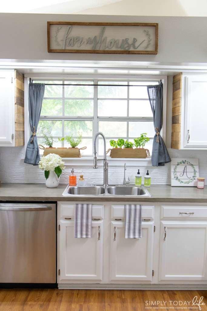 Farmhouse Kitchen Renovation Chalk Paint - simplytodaylife.com