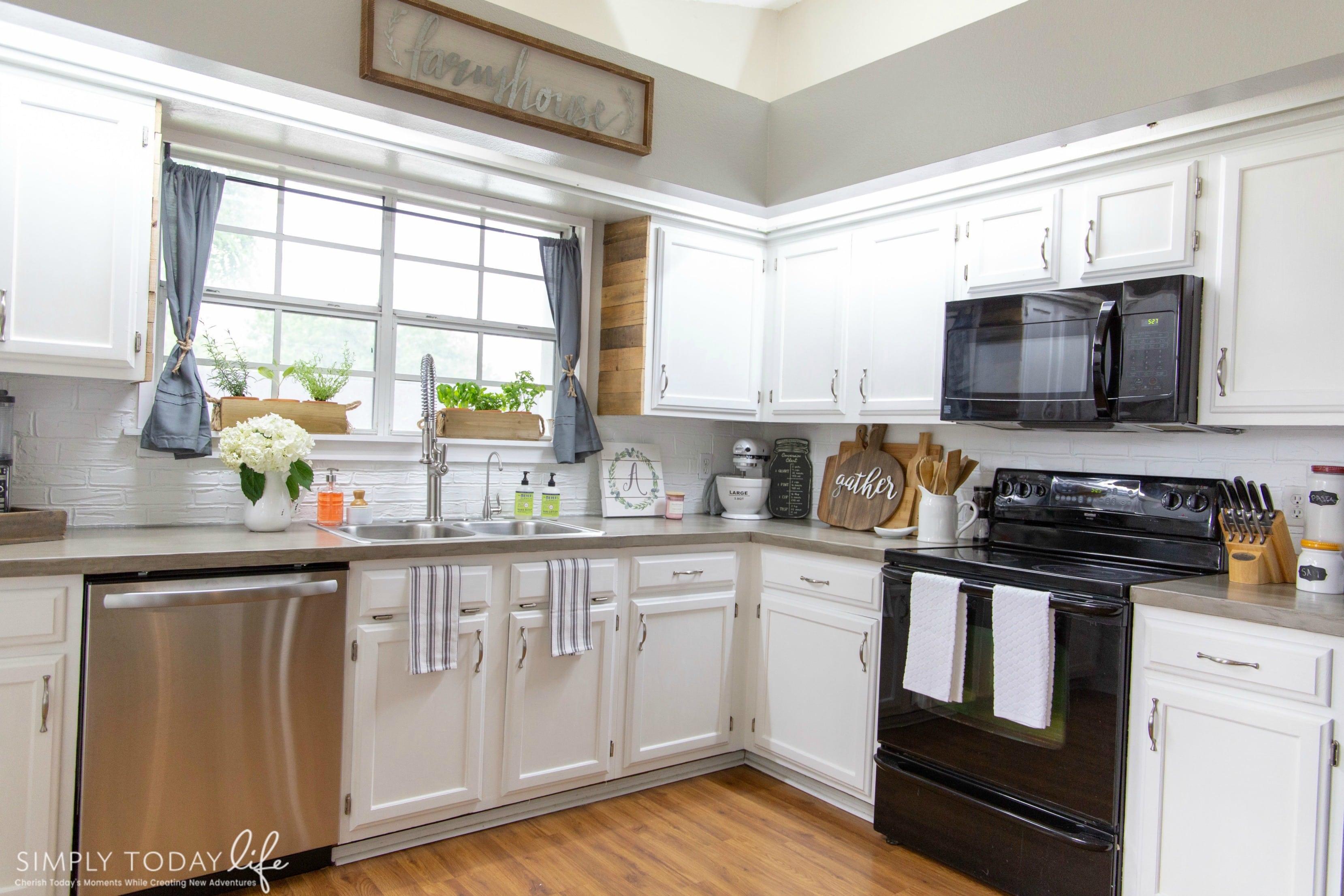 Kitchen Renovation Farmhouse Style - simplytodaylife.com
