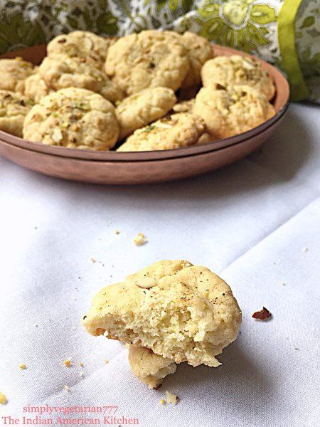 Naan Khatai {Indian Eggless Cookie}