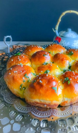 Samosa Stuffed Curry Buns