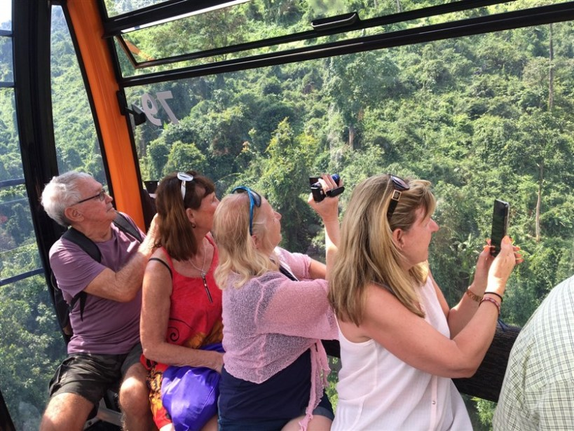 Marble mountains and Ba Na Hills tour (1)