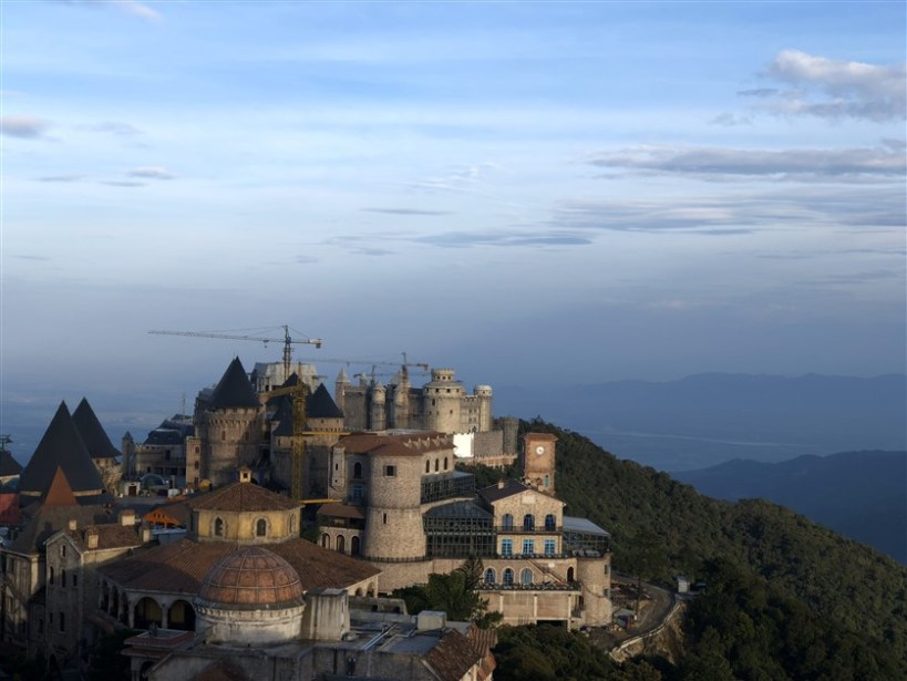 Marble mountains and Ba Na Hills tour (2)