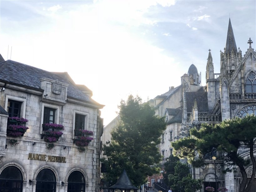 Marble mountains and Ba Na Hills tour (3)