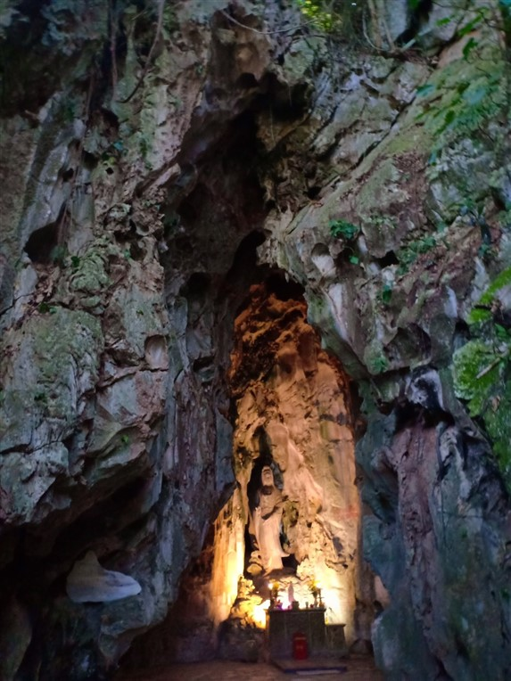 Marble mountains, Am Phu cave and monkey mountains (3)