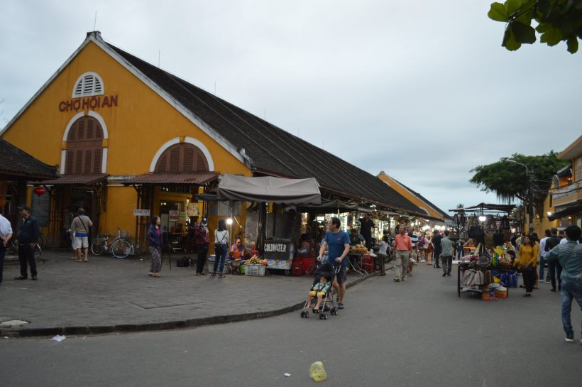 Local food and Hoi An walking tour (12)