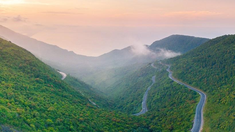 Marble Mountains, Monkey Mountain and Hai Van Pass (11)