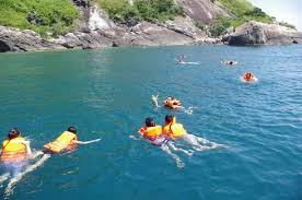 Discovery scuba diving in Cham island for certified divers (8)