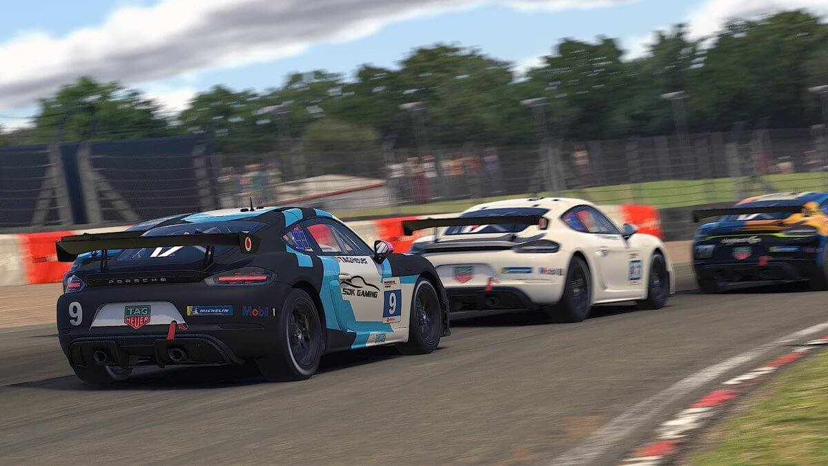 iRacing: Season 4 Patch 1 notes