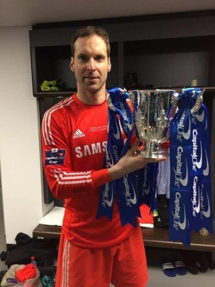 Petr Cech Chelsea Capital One Cup Winners 2015