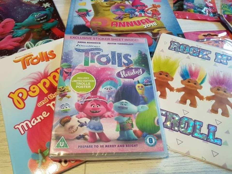 Trolls-Holiday-DVD-Christmas