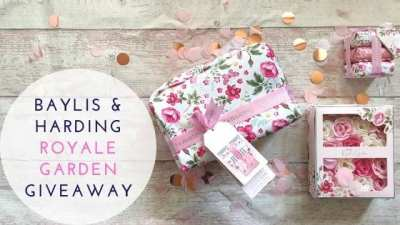 Win a Baylis & Harding Wash Bag Set