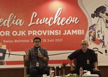 Agus (kiri) bersama Endang Nuryadin saat media luncheon.