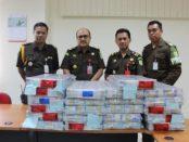 Tersangka Kembalikan Uang Korupsi, Sebesar Rp 1,6 Miliar Kerugian Negara Telah Diserahkan Ke Kejati Yogyakarta.