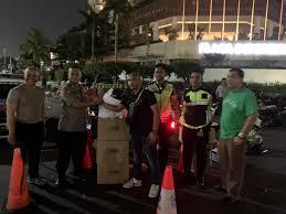Ikatan Adhiyaksa Darmakarini Peduli Gelar Sahur Bersama TNI/Polri di Gedung Bawaslu.