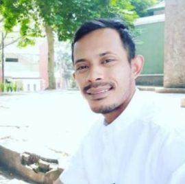 Koordinator Nasional Pergerakan Tani Muda Indonesia (Petani) dan Bendahara Umum Pengurus Besar Pergerakan Mahasiswa Islam Indonesia (Bendum PB PMII) Muhammad Risal: Indonesia Tanahnya Subur dan Kaya Raya, Tetapi Petaninya Miskin, Partisipasi Petani Muda Desa Mandiri Perlu Gerakkan Ekonomi Nasional.