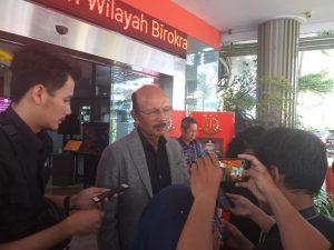 Mantan Wakil Jaksa Agung Muchtar Arifin menjadi Kuasa Hukum Bagi Komisaris PT Hanson International, Benny Tjokrosaputro, dalam kasus Korupsi Jiwasraya, yang sedang ditangani Kejaksaan Agung.