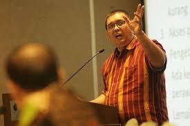 Sekjen Organisasi Pekerja Seluruh Indonesia (Sekjen OPSI) Timboel Siregar: Telat, Jangan Paksakan Bahas RUU Cipta Lapangan Kerja di DPR Sekarang.