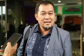 Koordinator Masyarakat Anti Korupsi Indonesia (MAKI) Boyamin Saiman: Ronny Bugis Pelaku Penyiraman Novel Baswedan Mestinya Dilepas.
