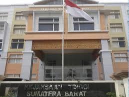 Sudah P21, Penuntutan Kasus Korupsi Petinggi Partai Demokrat Mendadak Dihentikan, Kinerja Kejaksaan Kian Coreng Moreng. – Foto: Kantor Kejaksaan Tinggi Sumatera Barat (Kejati Sumbar).(Net)