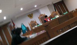 Tangani Perkara Narkoba, Ada Sidang Dengan Hakim Tunggal Digelar di Pengadilan Negeri Jakarta Pusat. – Foto: Sidang Perkara kasus narkoba dengan terdakwa M Amien Fatkhuri S R Bin Sudarno digelar dengan Hakim tunggal Kadarisman Al Riskandar, di Ruang Sidang Sujono, Pengadilan Negeri Jakarta Pusat (PN Jakpus), Rabu malam (04/11/2020).(Ist)