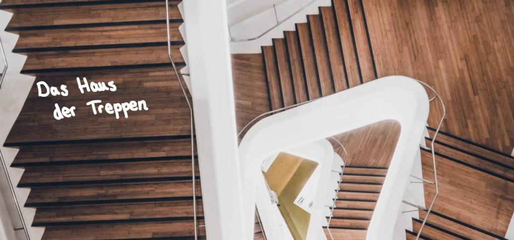 Relativ Rezension - Das Haus der Treppen - Sinas Geschichten QK19
