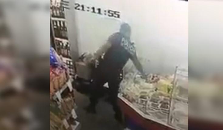 [VIDEO] QUÉ PASÓ CON EL POLICÍA QUE ESCRACHARON ROBANDO UN FIAMBRE