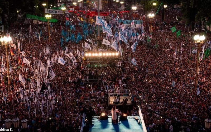 [VIDEO] HOY SE CUMPLEN 3 AÑOS DE LA MULTITUDINARIA PLAZA DEL AGRADECIMIENTO A @CFKArgentina