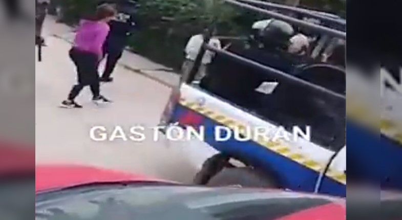 [VIDEO] BRUTAL POLICÍA DE URTUBEY DISPARA EN LA PANZA A EMBARAZADA