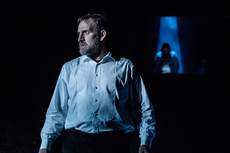 Christopher Eccleston as Macbeth in the RSC's Macbeth - Credit: Richard Davenport