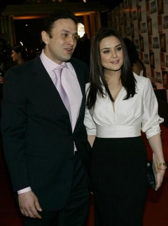 ness-and-preity-in-happy-times_DDCLp_17022