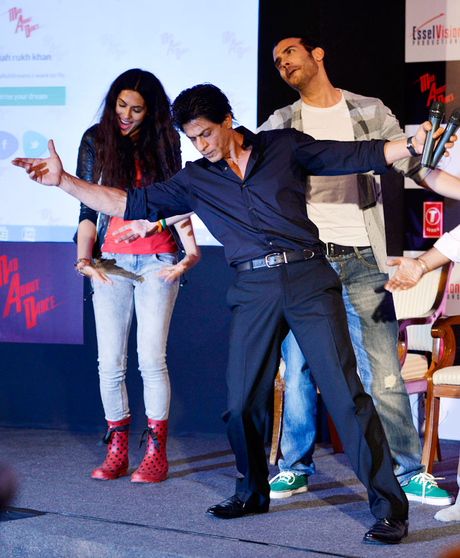 Shah-Rukh-Khan-launches-the-Mad-Wall-Of-Dreams-7