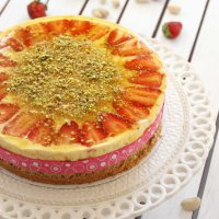 Pistachio and Mango Cake