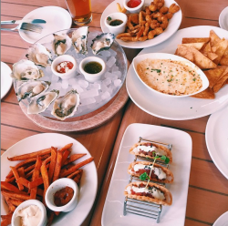Happy Hour at Boathouse