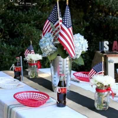 An Easy & Affordable 4th of July Table Setting
