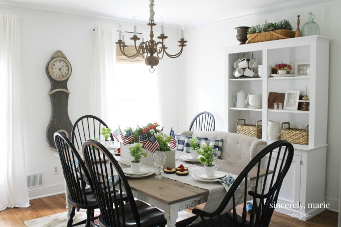 A Country 4th of July Tablesetting