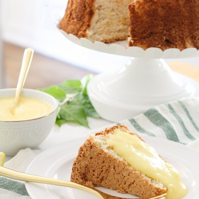 Fresh Citrus Angel Food Cake with Lemon Curd