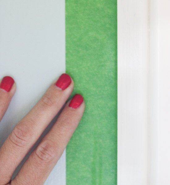 Using Frog Tape to Paint trim (1 of 1)