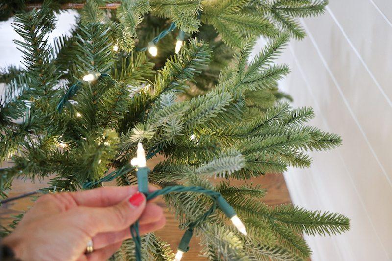 how-to-hang-christmas-lights