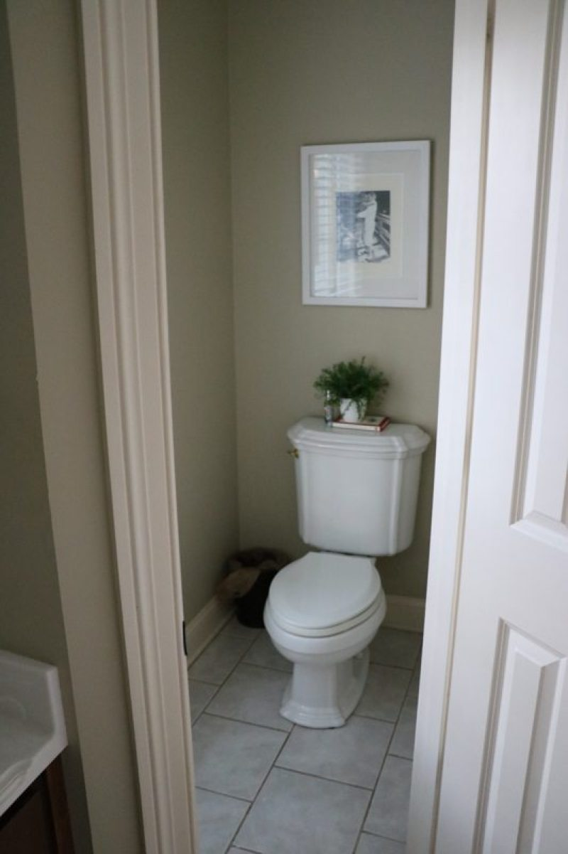 bathroom-remodel-before-sincerely-sara-d-1-7