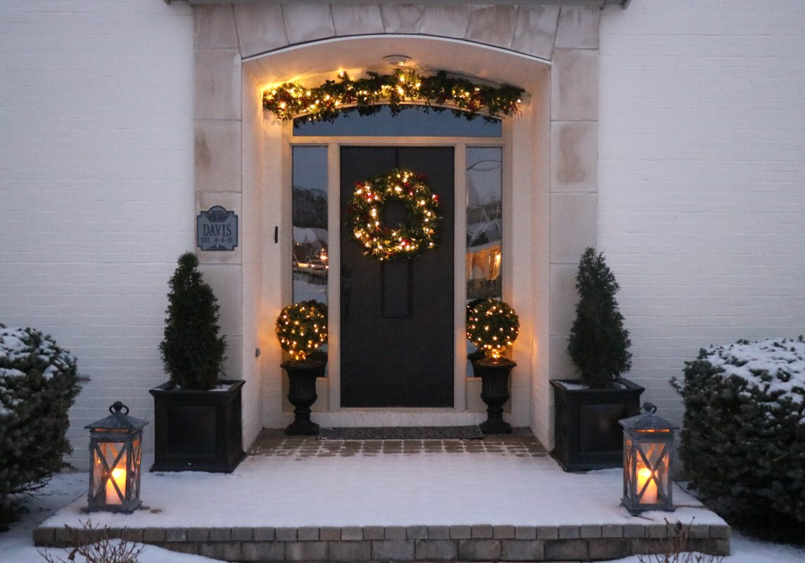 winter-decor-with-balsam-hill-4