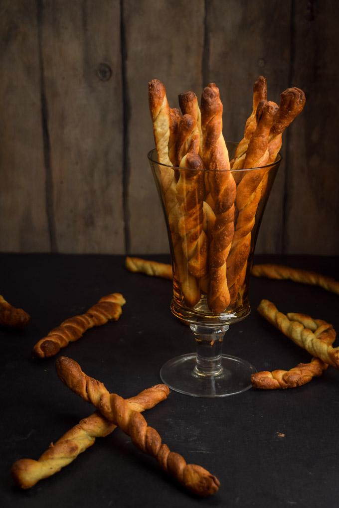 Sourdough Hard Pretzel Twists & Honey Mustard Onion Dip (5)