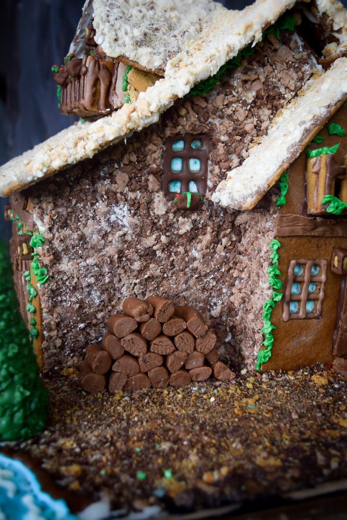 Gingerbread House 2015! Fairytale Forest Cottage (13)