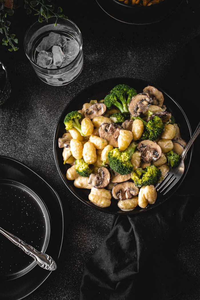 gnocchi with broccoli and mushrooms