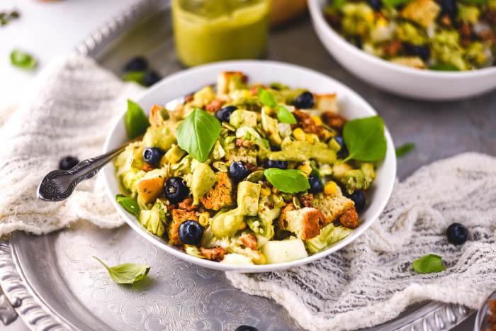 avocado quinoa vegan salad