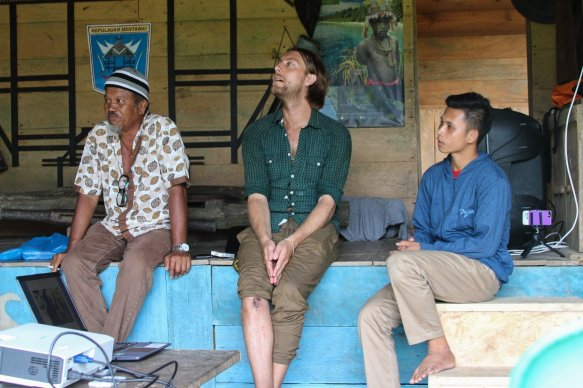 Listening with awe to the final stories of the participants. (from left to right: Hendri, Steyn and Martison). (credits: Rob Henry)