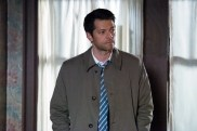 """Supernatural --""""All Along the Watchtower"""" -- SN1223c_0018.jpg -- Pictured: Misha Collins as Castiel -- Photo: Dean Buscher/The CW -- © 2017 The CW Network, LLC. All Rights Reserved"""