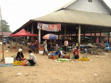 Consejos y curiosidades sobre Laos - Mercado callejero