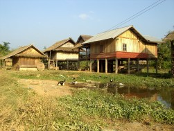 Laos Muang Sing Aldea - Muang Sing en bicicleta, perdido en Luang Namtha