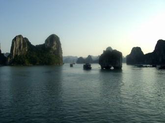 Ruta por la Bahía de Halong - Anochecher Halong Bay